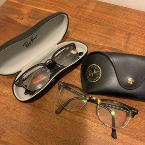 BRAND NEW *NEVER USED* RAY BANS GLASSES